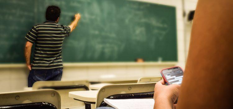 Soluția pentru lipsa locurilor de muncă este o strategie bună pe educație în județul Mehedinți